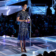 Gal_Gadot_2017_MTV_Video_Music_Awards_Fixed_j_LPYkepkv_BAl