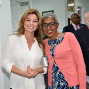shania-bahamas-primeminister120717-8