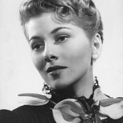 joan-fontaine-flowers