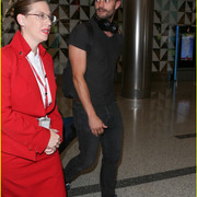 jamie_dornan_arrives_at_lax_airport_15