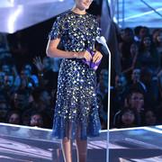 Gal_Gadot_2017_MTV_Video_Music_Awards_Fixed_6_Zpmx9x2_Psll