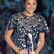 Gal_Gadot_2017_MTV_Video_Music_Awards_Fixed_Iee_RVn_As_BUhl