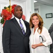 shania-bahamas-primeminister120717-10