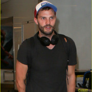 jamie_dornan_arrives_at_lax_airport_12