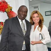 shania_bahamas_primeminister120717_7
