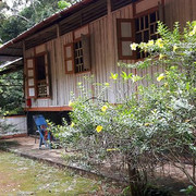 traditional_wooden_kampong
