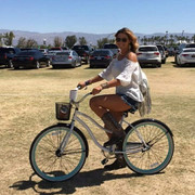 shania-stagecoachfestival042917-bicycle