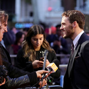 Sam_Claflin_Journey_End_European_Premiere_WPHKyi_Qs1_Cfx