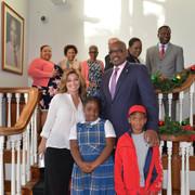 shania-bahamas-primeminister120717-13