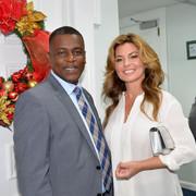 shania_bahamas_primeminister120717_6