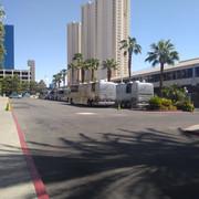 shania_nowtour_lasvegas080418_buses