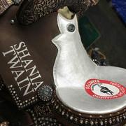 shania_nowtour_barettos081818_saddle1