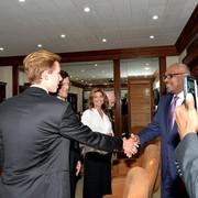 shania_bahamas_primeminister120717_2
