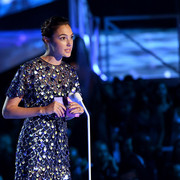 Gal_Gadot_2017_MTV_Video_Music_Awards_Fixed_c_AS6y0o_A7s_Wl